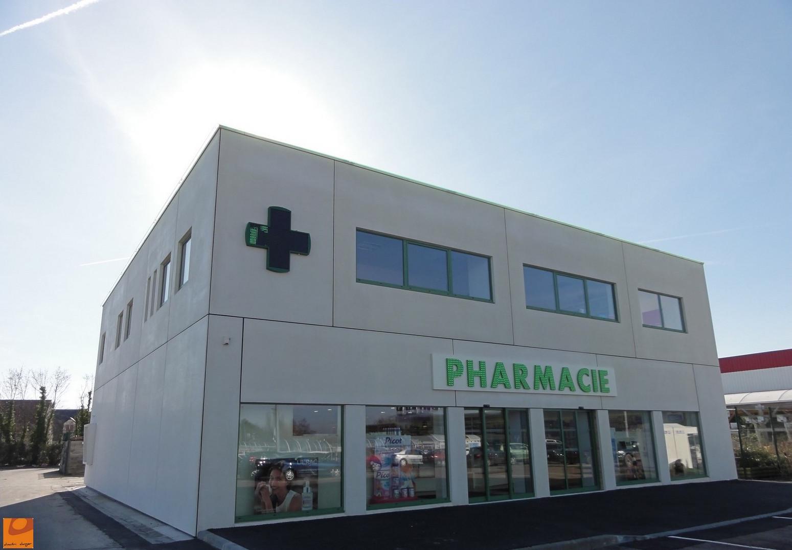dimitri-danger-maitre-oeuvre-pharmacie-normandie06