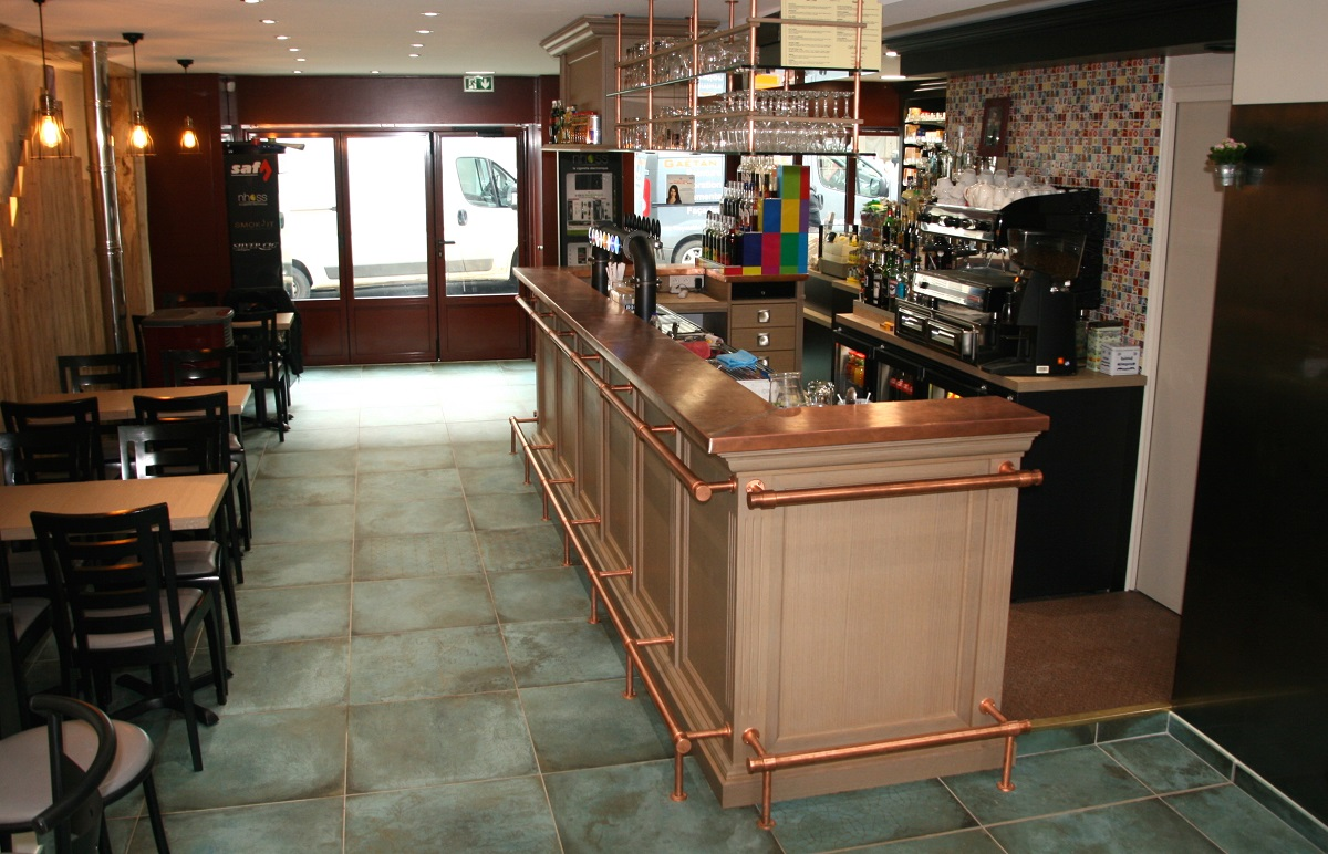 dimitri-danger-maitre-oeuvre-bar-tabac-restaurant-normandie02